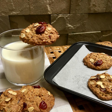 Load image into Gallery viewer, Zoé x ento High Protein Cranberry Oatmeal Cookies (24 pieces x 25g)
