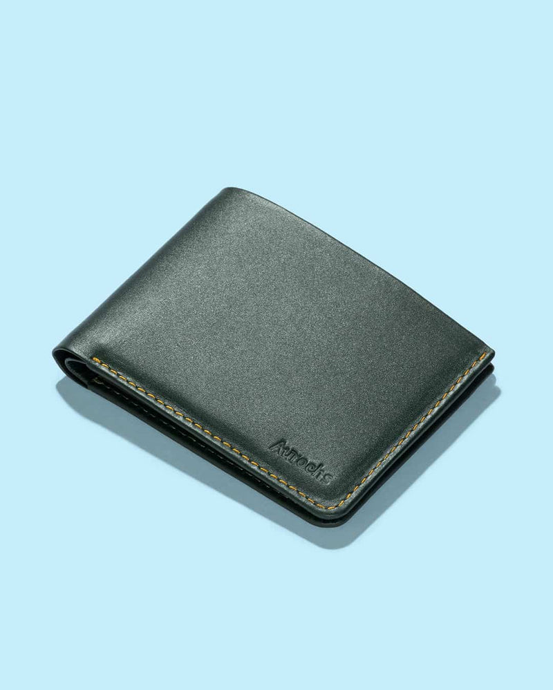 Light - Bifold Wallet - Aurochs
