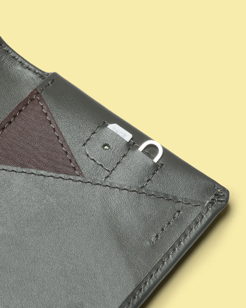 gravity bifold wallet