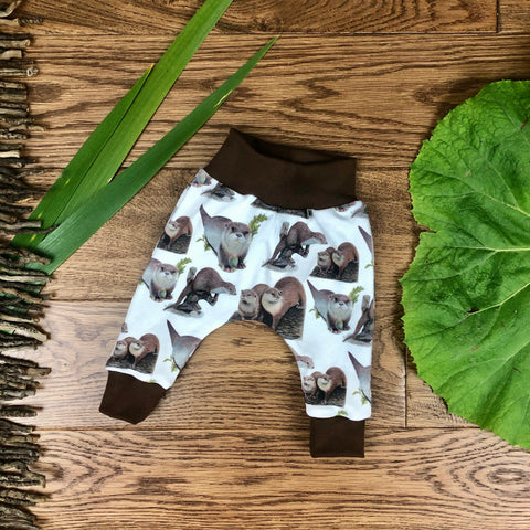 The Little Fawn Curious Otters Leggings