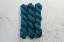 Load image into Gallery viewer, Chrysocolla - 4ply SW Merino/Yak/Nylon crystal-yarn.myshopify.com