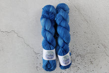 Load image into Gallery viewer, Blue Kyanite - DK South American Merino crystal-yarn.myshopify.com