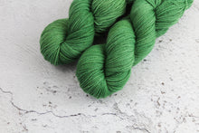 Load image into Gallery viewer, Dye to Order - Aran Singles British BFL
