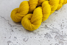 Load image into Gallery viewer, Saffron - 4ply Corriedale