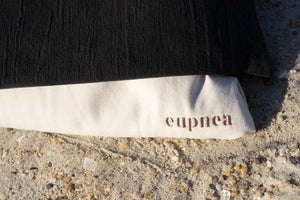 eupnea everyday pillow in noir