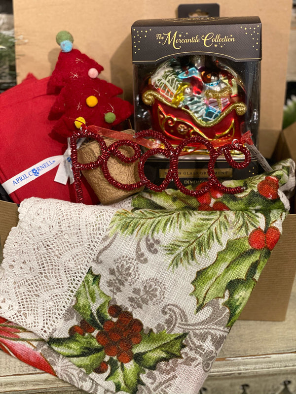 Have someone you'd love to send a little Christmas pick me up to? Or do you need to put together a birthday or Christmas gift but you're stuck at home... let us help! These Christmas Gifts are ready for us to deliver locally or ship out.