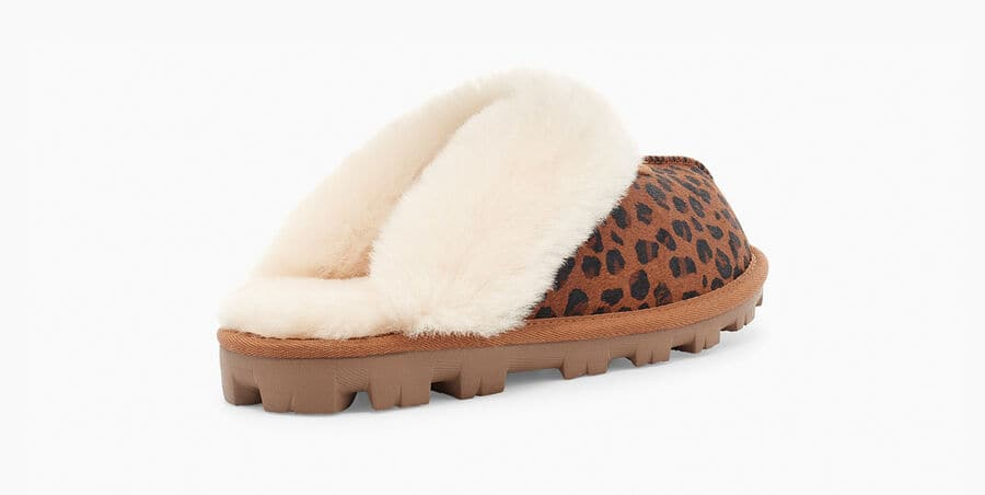 Updating our Coquette with wild animal patterning, we add leopard-print cowhair to this timeless style for a fun and textured statement. Featuring cozy sheepskin lining and a lightweight, cushioned sole, the Coquette Leopard Slipper is as soft as it is versatile. Pair with cuffed jeans, leggings and cashmere, or your favorite robe.