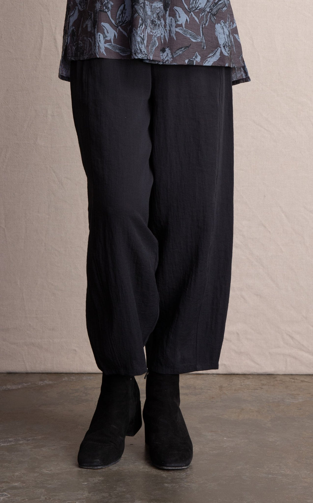 Habitat Lantern Pant All Elastic Waist Front Pockets 25 3/4 Inseam Rayon/Nylon Fabric Great for Travel