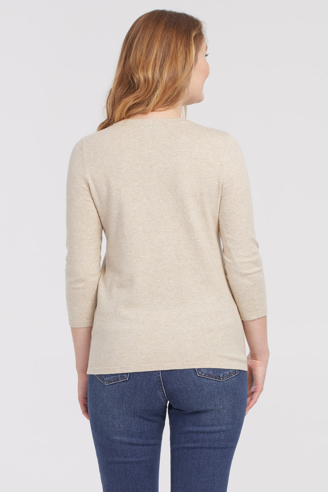 This cozy 3/4 length sleeve cotton blend sweater is all about the basics. This perfect weight crew neck is a simple piece that can mix and match with all of your seasonal staples!  80% Cotton 20% Spandex- 80% Cotton- 3/4 Sleeve