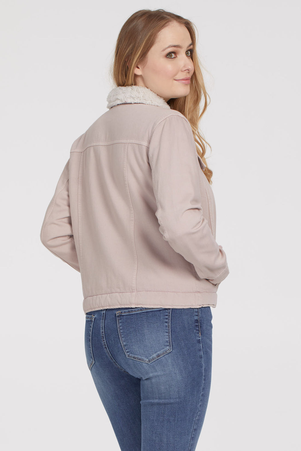 This is the jacket that will get you through fall in style. The thick soft twill jacket with accompanying shearling lining makes any outfit look chic and ensures comfy all-day wear. 51% Cotton 49% Rayon– Cosy shearling lining– Two front breast pockets– Classic collar