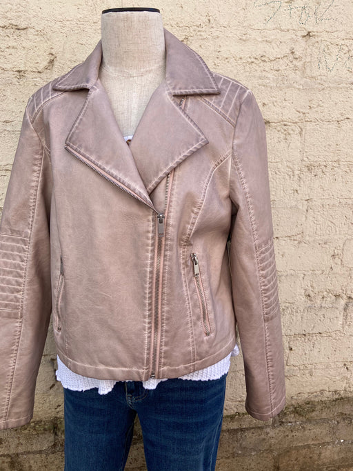 This moto jacket will add some serious flair to your wardrobe! Combined with its light blush exterior, edgy details like a foldover lapel and zipper detailing are sharp, chic, and totally irresistible.  FACE:100%Polyurethane,BACKING:100% Viscose, Faux leather Cropped Foldover lapel Zipper detail,Hand Wash Cold Water, Separately, Do Not Bleach, Line Dry, Do Not Iron