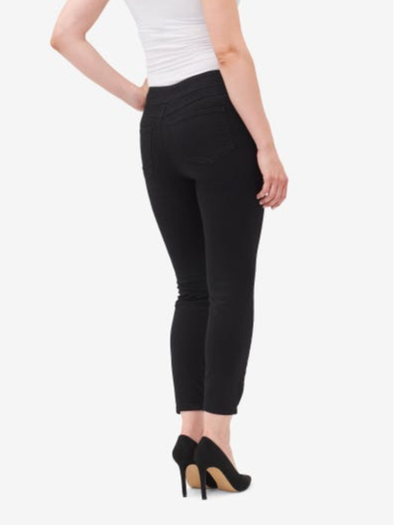 Falling in love with this stylish jegging couldn't be any easier: just slip them on, pull them up, and you're ready to rock the look. Made using our ultra-soft denim, they are super flattering and ultra-comfortable.