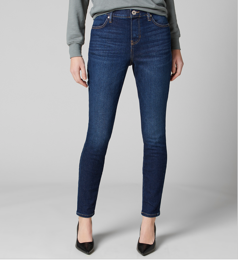 Looks like a signature 5-pocket pair, feels and functions like your favorite pull-on ... our Valentina Skinny does it all. It's designed with a figure-elongating high rise and features a faux fly and button for classic appeal. Finished with a dark indigo wash that pairs well with anything, day or night.