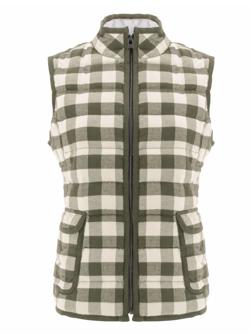 A picture-perfect plaid vest for fall adventures, the sustainable Raleigh Vest will add a fun pop to your cold weather wardrobe. Crafted from a 100% organic cotton outer with an oversized classic buffalo plaid, its 100% polyester taffeta lining and polyfil will keep you warm and toasty, no matter what adventures you have planned.