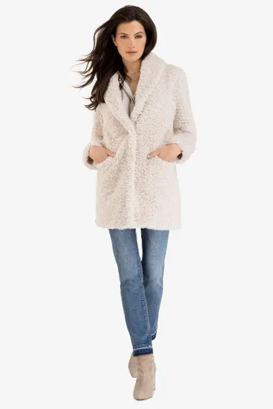 It's no wonder the sherpa coat is so popular these days: it's cute, it's versatile, and it's cozier than anything else in your closet. Our teddy-style overlayer features a luxurious shawl collar and comes in an elegant off-white – it's like wrapping yourself in a fuzzy blanket!