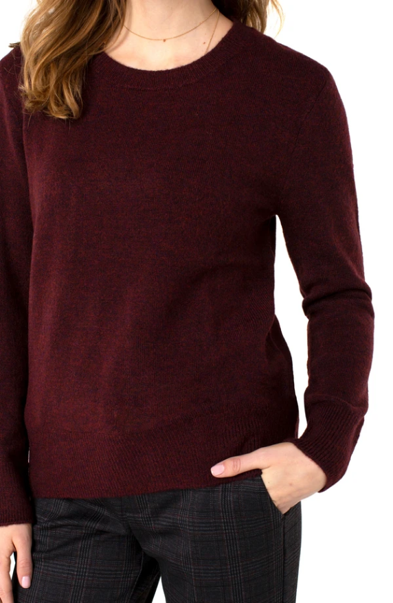 Cozy Chic! This fabulous Liverpool crew neck sweater is the perfect piece for the season. Perfect for layering or on its own, this style is versatile and can be styled effortlessly.