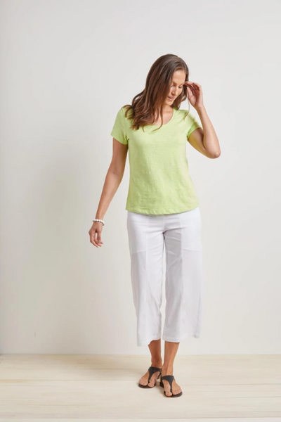 The Habitat Women's Cotton Pebble Cap Sleeve Tee brings cute mix-and-match style to your everyday wardrobe. Its crew neck line and short capped sleeves makes layering a cinch. Crafted with one hundred percent cotton, this versatile t-shirt is super comfy for all-day wear.