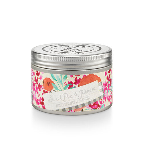 Enjoy the natural scents and cottage garden-inspired design of the Tried & True Sweet Pea and Jasmine Tin Candle in any room of your home. Each is made with soy wax and accented with galvanized metal for a rustic farmhouse touch.