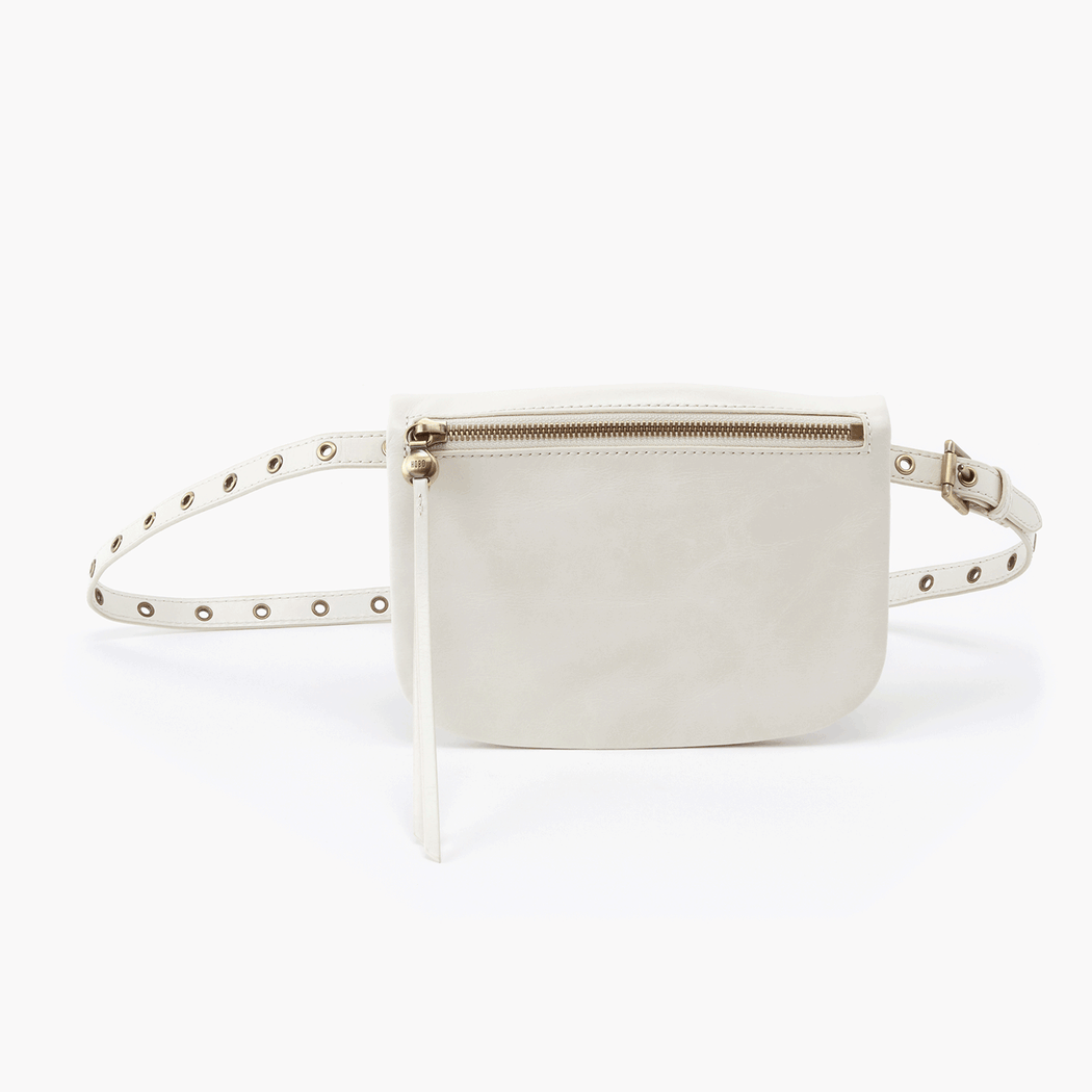 Say hello to Saunter, a leather belt bag featuring endless adjustability and just enough interior space for your phone, cards, and keys. Take a style note from the fashion bloggers and wear it as a short crossbody purse, too. Crafted in our signature vintage hide leather that only gets more beautiful over time with use and wear.
