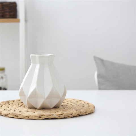 Atlas Vase - Geometric Ceramic Vase