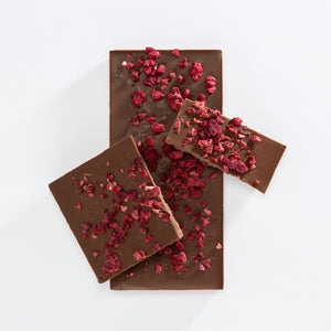 Charlotte Piper - Milk Chocolate Bar Raspberry