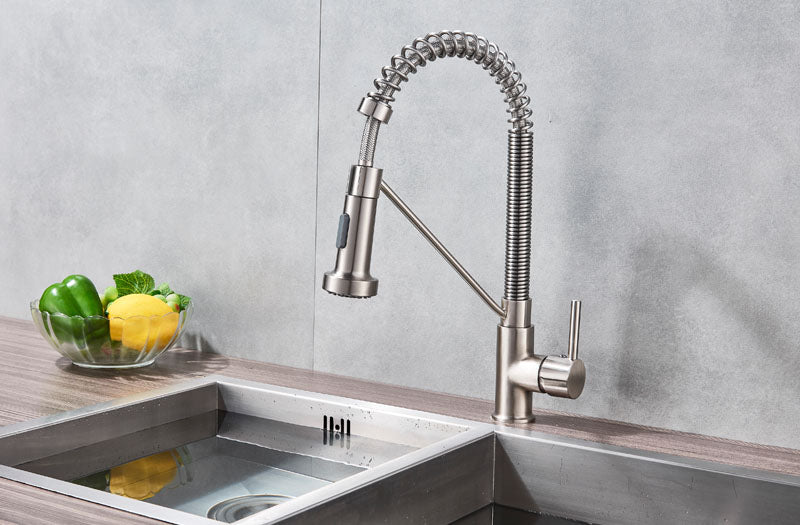 Salermo Single Handle Single Hole Kitchen Sink Faucet with Rotatable Swivel - eCasaMart