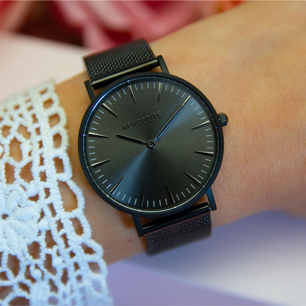 """Timeless"" - Black Mesh Uhr"