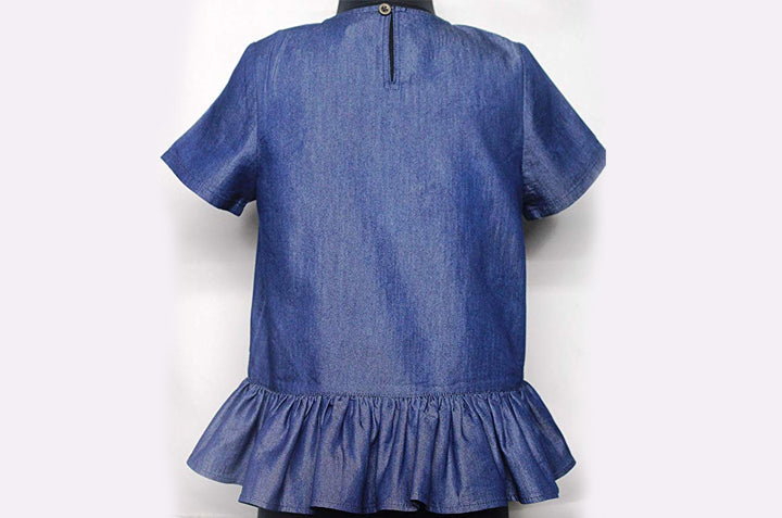 Soft Denim Blouse With an Opening Button in The Back