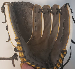 "Used 2021 Wilson A2000 V125SS 12.5"" Utility Fastpitch Glove"