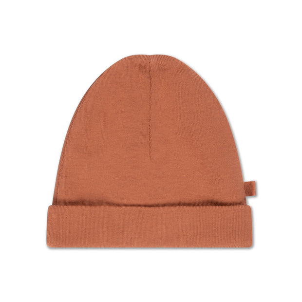 hat in warm caramel