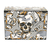 Load image into Gallery viewer, Skull and Roses Cigar Humidor 50 Count Closed View Front