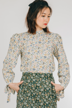 Munti Top (in Blue Floral)
