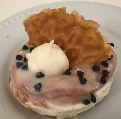 Cream Cheese Cannoli Fried Donut (12) - Chick Boss Cake London Ontario