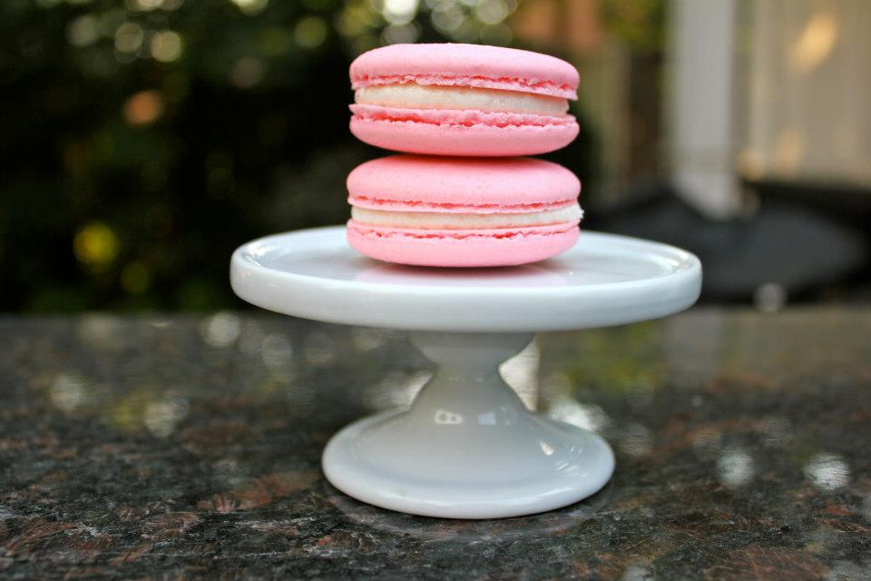 Strawberry & Cream French Macaron (6 pack)