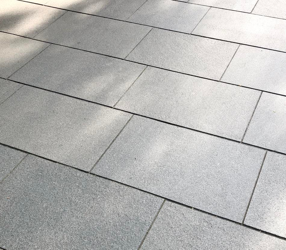 Mid Grey Granite Paving Slabs Dark Grey 900x600 £28.50/m2