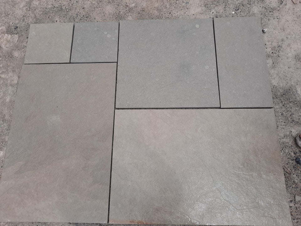 Dove Grey Limestone Paving Patio Packs, Sawn Edge 22 Cal. £20.43/m2