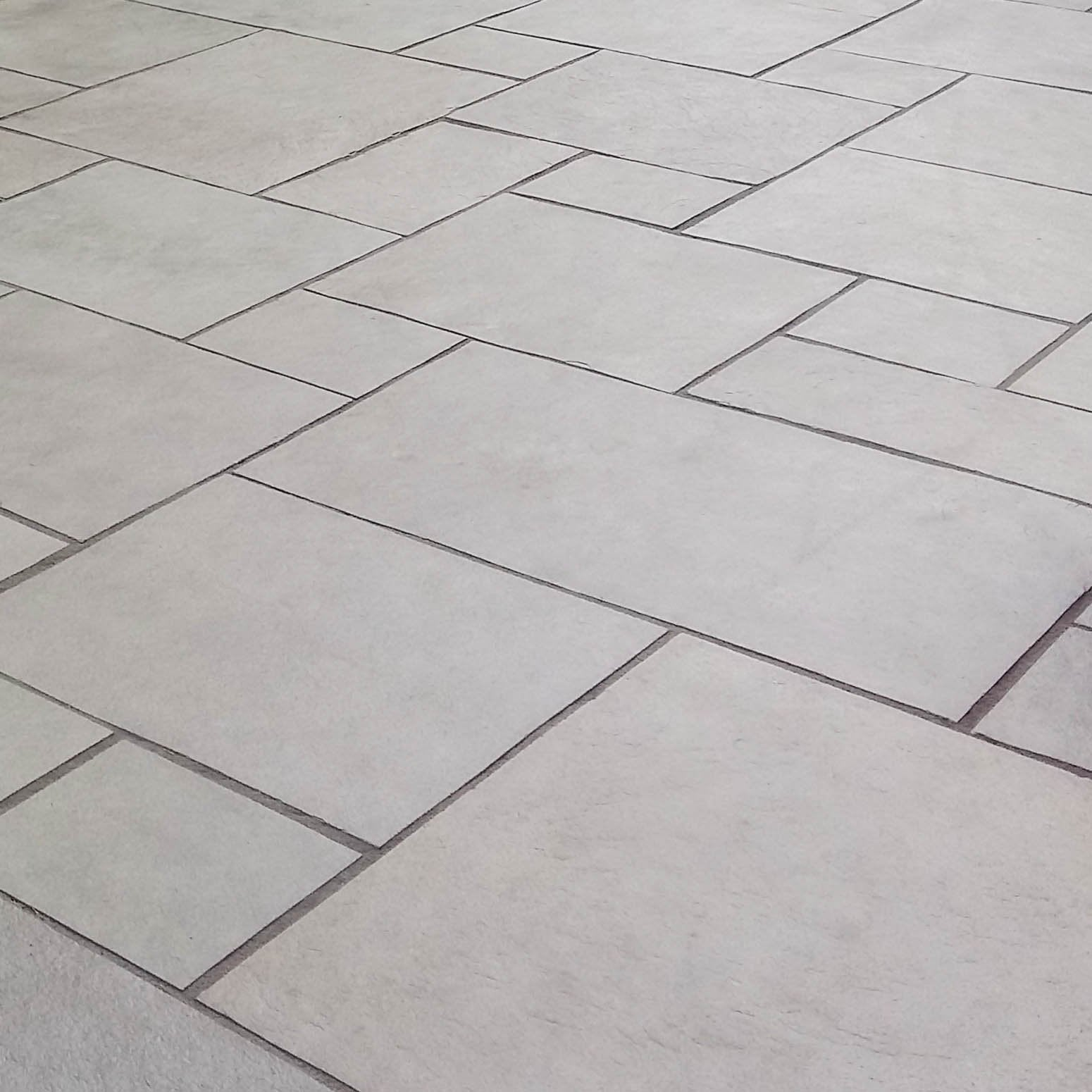 Dove Grey Limestone Paving Patio Packs, Sawn Edge 22 Cal. £21.89/m2