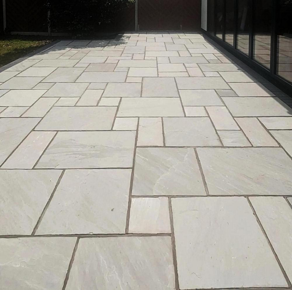 Kandla Grey Indian Sandstone Paving Slabs Patio Packs 22mm Cal. £22.22/m2