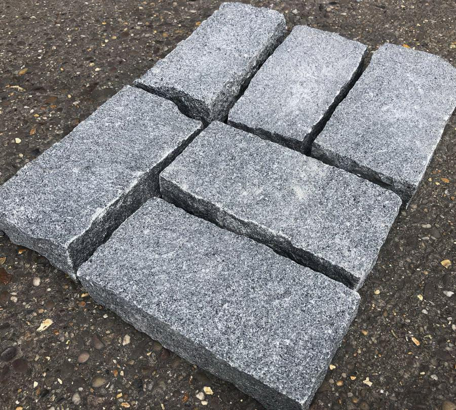 Granite Setts, Mid Grey Cobbles, 200x100x50mm £40.75/m2
