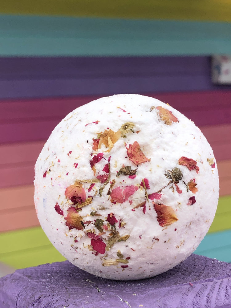 Load image into Gallery viewer, flower child bath bomb
