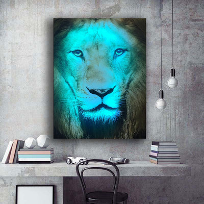 Lion Illuminated Face LED & Remote