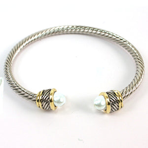 Shine Silver Metal Wire With Pearl Deco Open Bangle