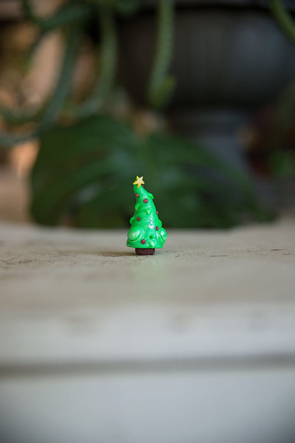 SALE! Tree w/ Ornaments Spore #42