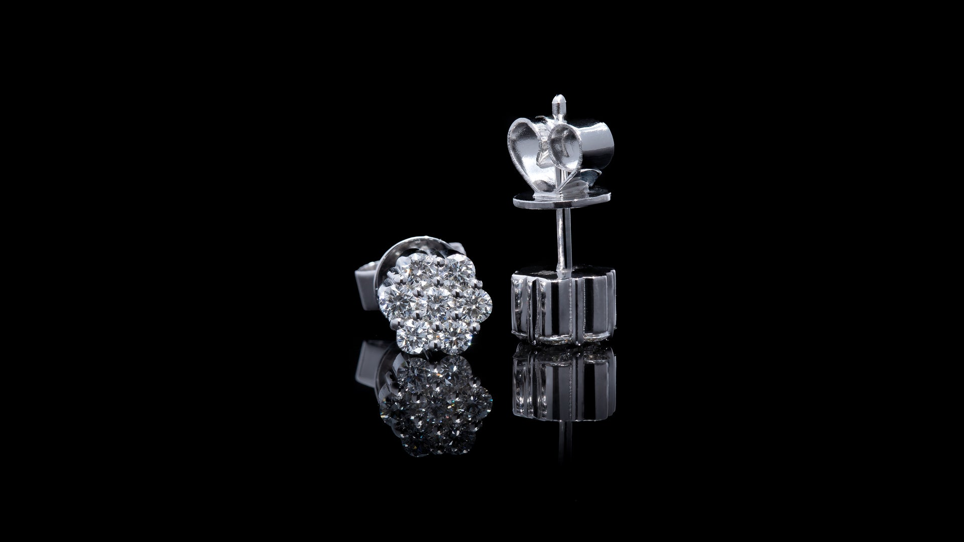14K White Gold Honey Comb Diamond Earrings