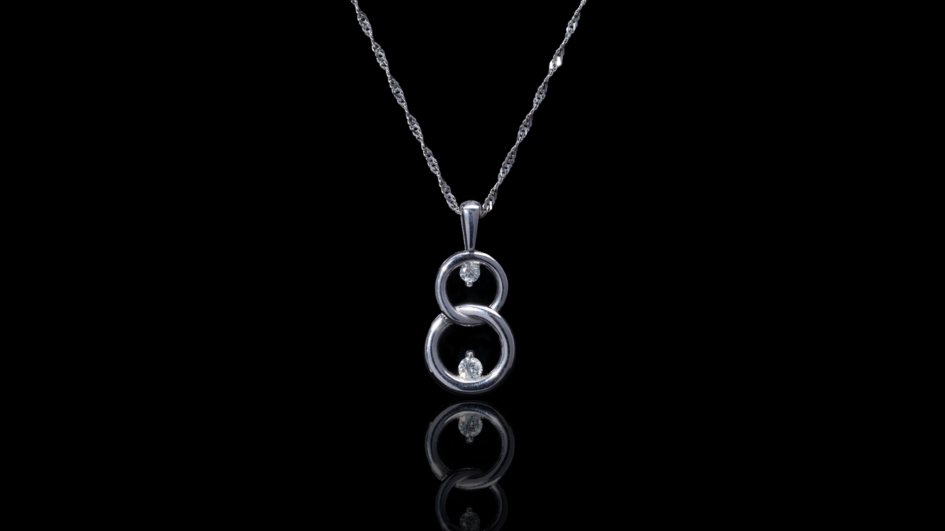 [SPECIAL] 10k White Gold Figure 8 Diamond Necklace
