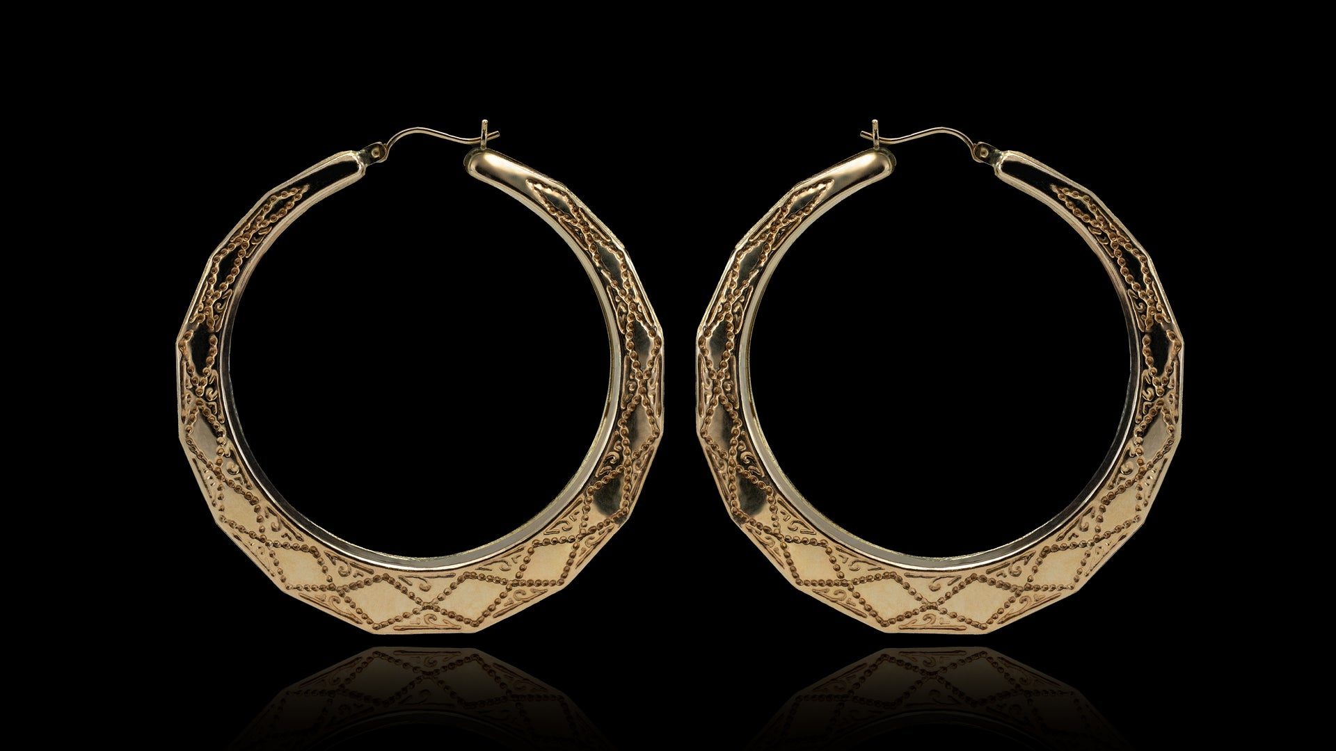 10K Yellow Gold 3D Round Design Hoop Earrings