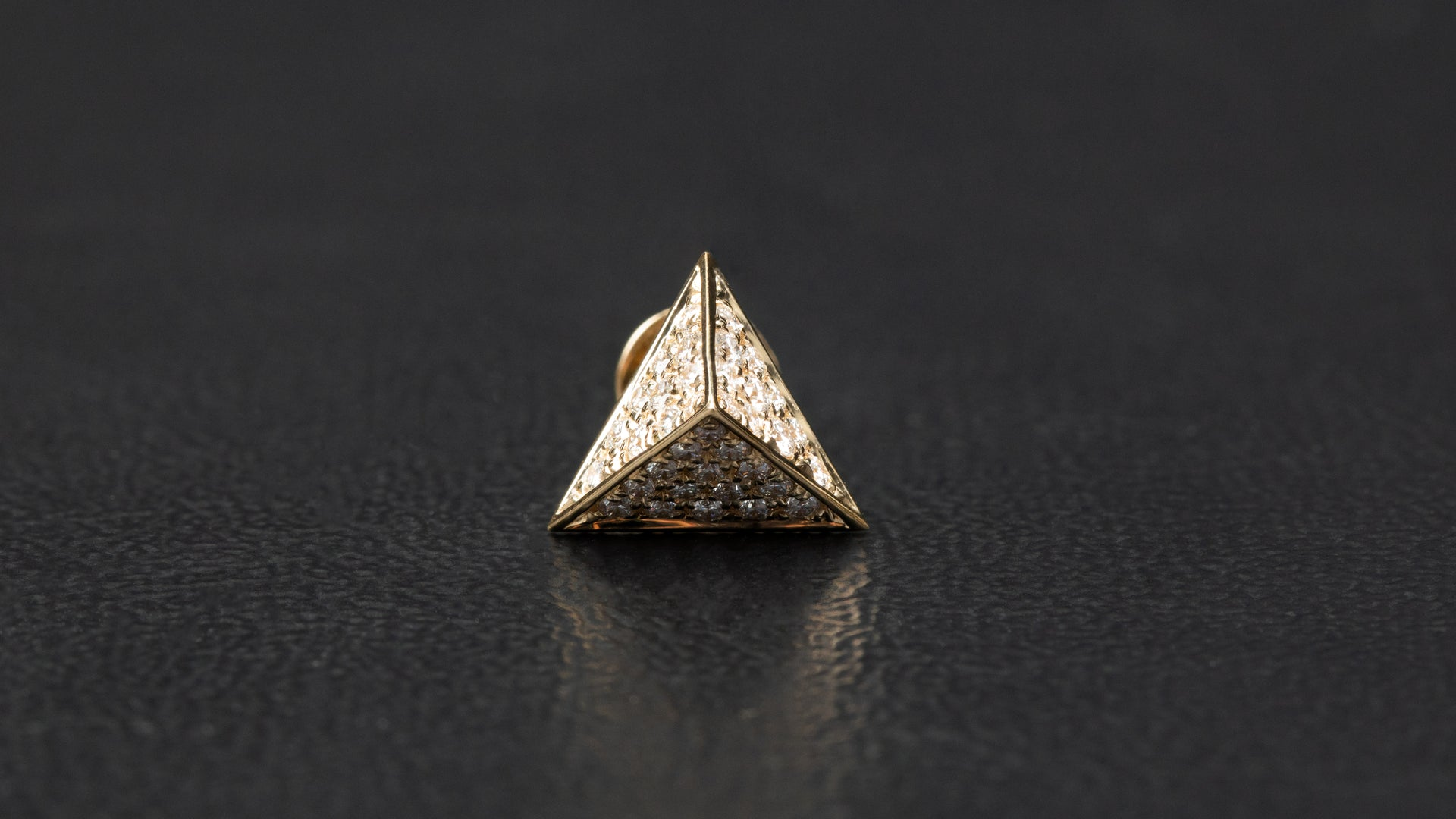 14k Yellow Gold Pyramidal Shape Diamond Earrings
