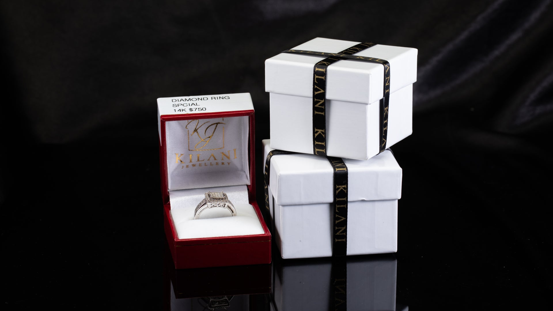[SPECIAL] 14k White Gold Square Halo Invisible Diamond Ring