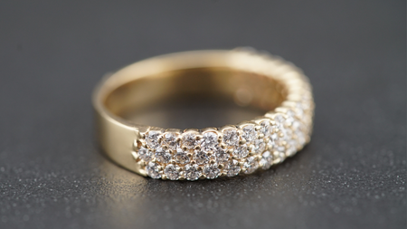 14k Yellow Gold Tapered Diamond Band Ring