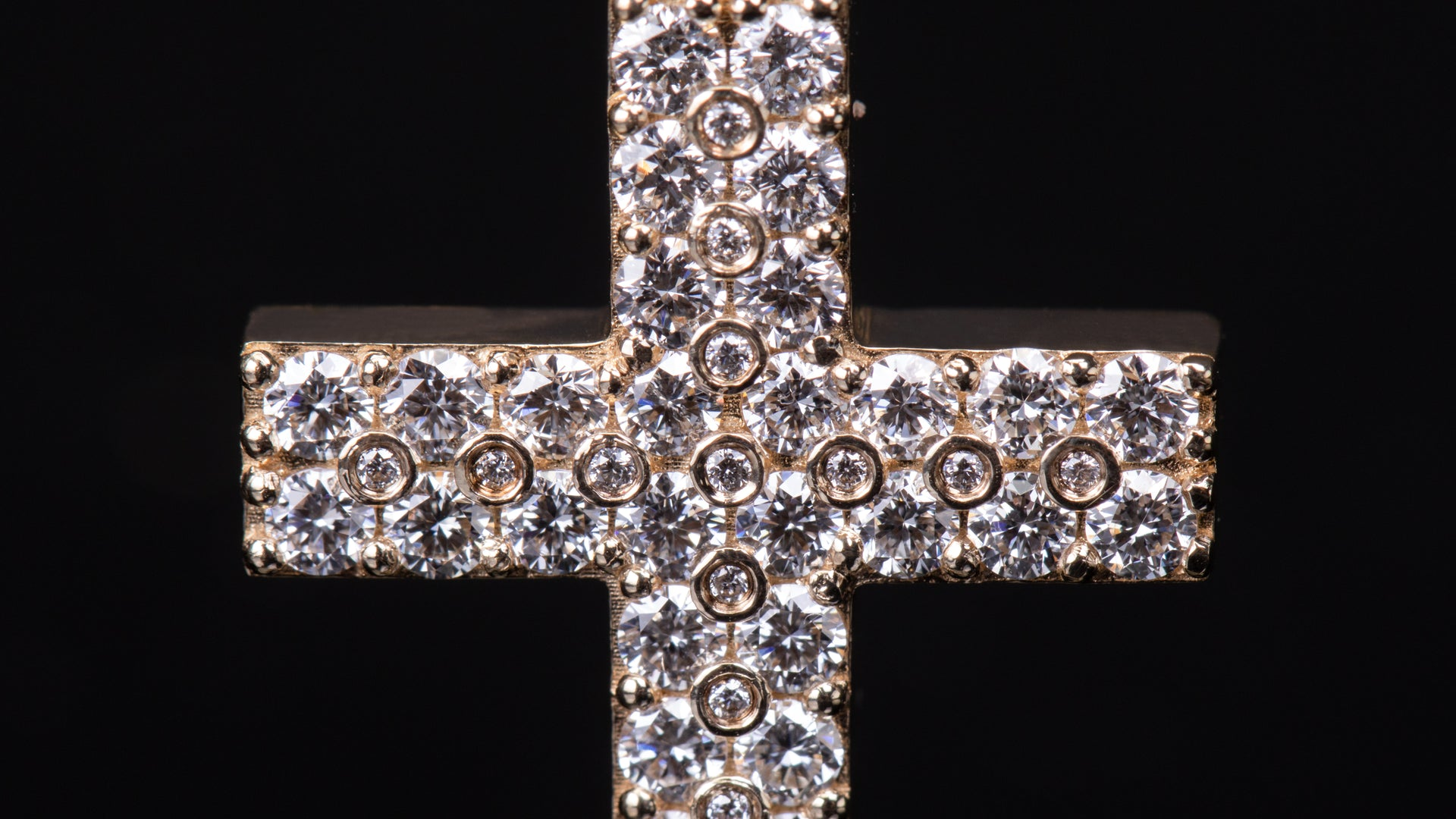 14k Yellow Gold Doted Cross Diamond Pendant